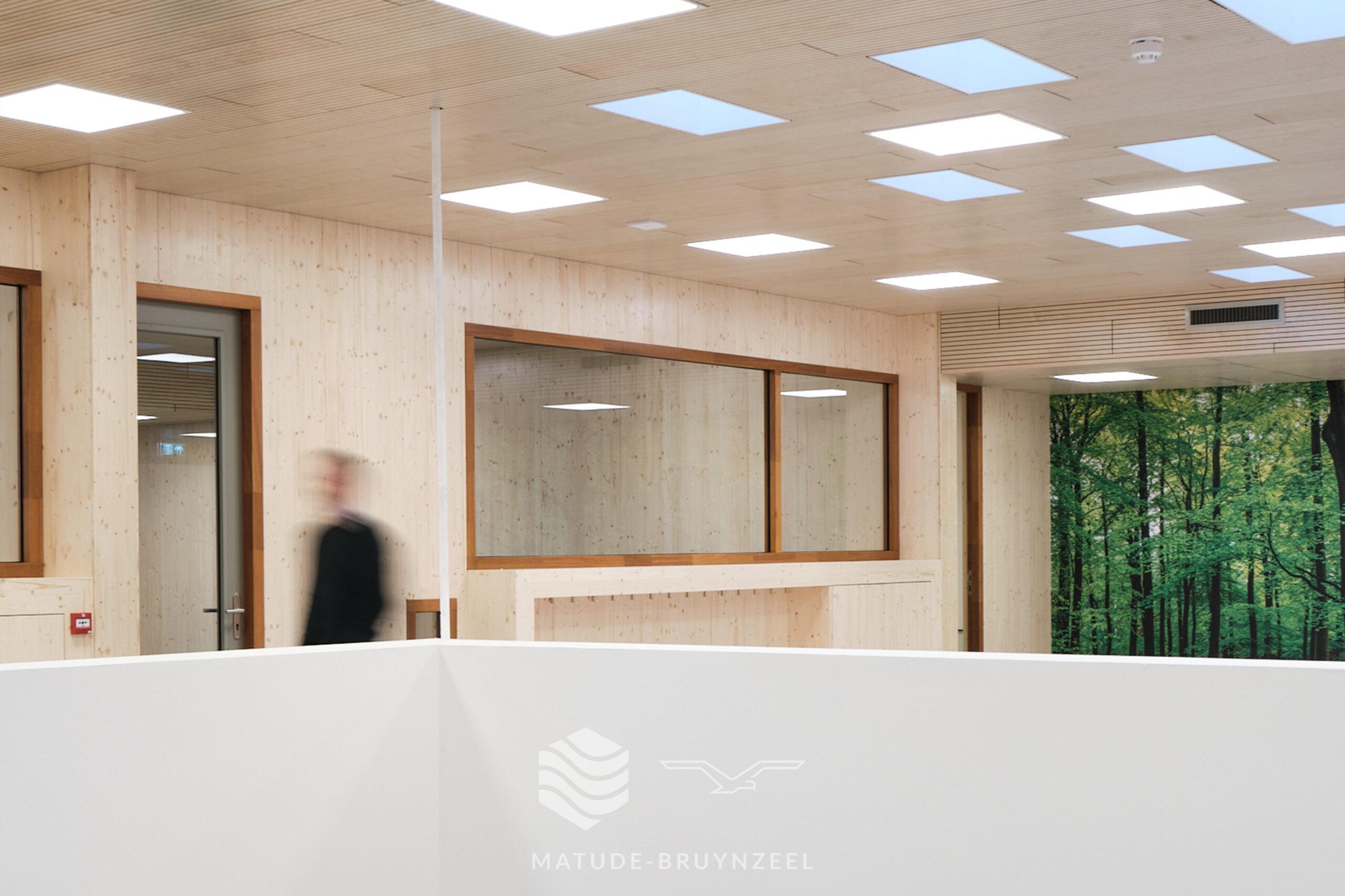 https://www.matude.nl/wp-content/uploads/2020/12/Matude_Bruynzeel_MFA_Voorn_Bruynzeel_Perfosound_Line_Akoestisch_Plafond_04-scaled.jpg